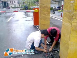Lắp đặt đường dây điện cho bãi đỗ xe
