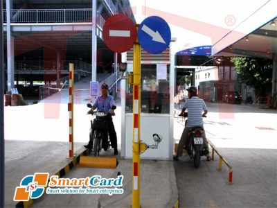 Lối vào / ra một trạm đỗ xe tự động