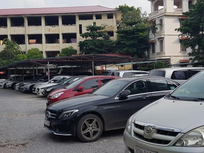 Bãi đậu xe ô tô tại Hà Nội