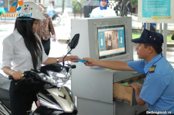 Quản lý bãi xe bằng phần mềm và thẻ từ